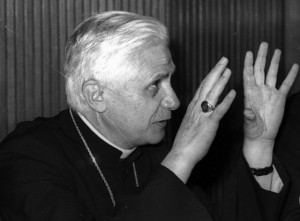 Cardinal-Ratzinger-Black-and-White-640x472