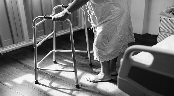 La via Crucis quotidiana tra malati e storpi. Corpi di Cristo nella clinica